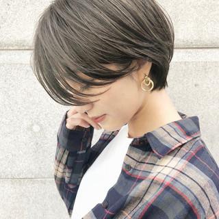 グレージュ デート ハンサムショート ショートヘア ヘアスタイルや髪型の写真・画像