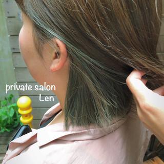 切りっぱなしボブ インナーカラー ストリート 簡単ヘアアレンジ ヘアスタイルや髪型の写真・画像