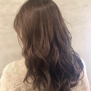 大人かわいい ミルクティーグレージュ フェミニン アディクシーカラー ヘアスタイルや髪型の写真・画像
