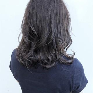 グレージュ ミディアム オフィス ブランジュ ヘアスタイルや髪型の写真・画像