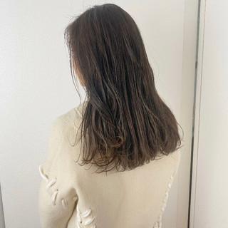 アンニュイほつれヘア セミロング グレージュ 大人かわいい ヘアスタイルや髪型の写真・画像