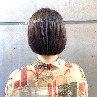 ミニボブ 切りっぱなしボブ ナチュラル 大人ショート ヘアスタイルや髪型の写真・画像