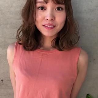 ゆるウェーブ モテ髪 フェミニン ミディアム ヘアスタイルや髪型の写真・画像