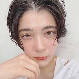 外国人風 透明感 暗髪 ゆるふわ ヘアスタイルや髪型の写真・画像