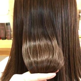 セミロング ストレート 美髪 艶カラー ヘアスタイルや髪型の写真・画像
