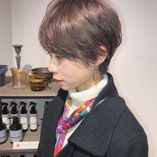 小顔ショート アンニュイほつれヘア 簡単ヘアアレンジ ショート ヘアスタイルや髪型の写真・画像