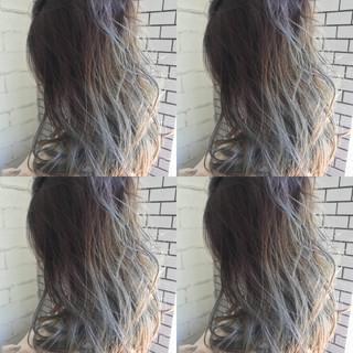 ストリート ダブルカラー ブリーチ アッシュ ヘアスタイルや髪型の写真・画像