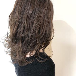 西海岸風 セミロング 大人かわいい フェミニン ヘアスタイルや髪型の写真・画像