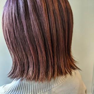 デザインカラー モード ピンクブラウン ショートボブ ヘアスタイルや髪型の写真・画像
