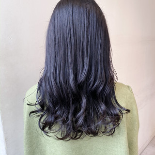 セミロング フェミニン ブリーチなし ブルーラベンダー ヘアスタイルや髪型の写真・画像