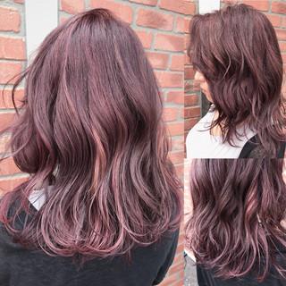 レッド ミディアム ピンク 外国人風 ヘアスタイルや髪型の写真・画像