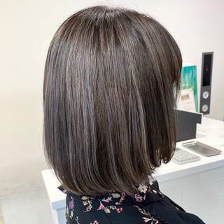 グレージュ 外国人風カラー オフィス ボブ ヘアスタイルや髪型の写真・画像