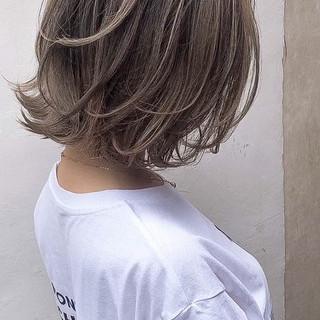 ナチュラル 外国人風カラー アンニュイほつれヘア ベージュ ヘアスタイルや髪型の写真・画像