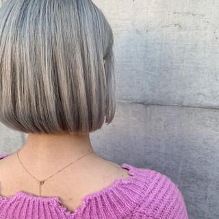 アッシュ ボブ ストリート グレージュ ヘアスタイルや髪型の写真・画像 ヘアスタイルや髪型の写真・画像