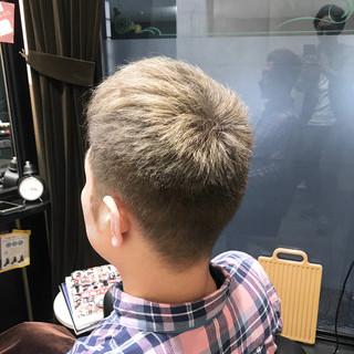 メンズ グレージュ ショート 刈り上げ ヘアスタイルや髪型の写真・画像