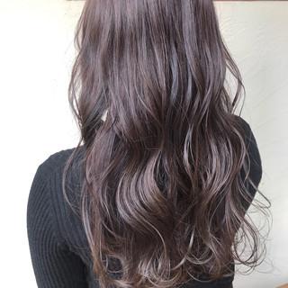 ハイライト ラベンダーグレージュ ガーリー アッシュグレージュ ヘアスタイルや髪型の写真・画像