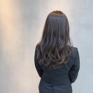 ナチュラル 透明感カラー ヘアカラー ミディアムレイヤー ヘアスタイルや髪型の写真・画像