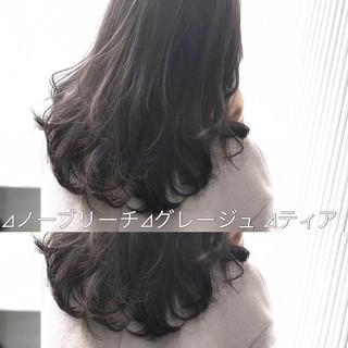 前髪 ナチュラル アッシュグレージュ セミロング ヘアスタイルや髪型の写真・画像