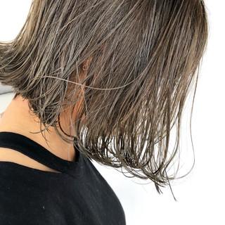 ショートヘア グレージュ ナチュラル ショートボブ ヘアスタイルや髪型の写真・画像