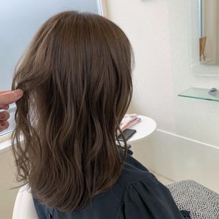 コテ巻き デート ミディアム 簡単ヘアアレンジ ヘアスタイルや髪型の写真・画像