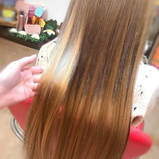 ロング 秋冬スタイル ハイライト ミルクティー ヘアスタイルや髪型の写真・画像
