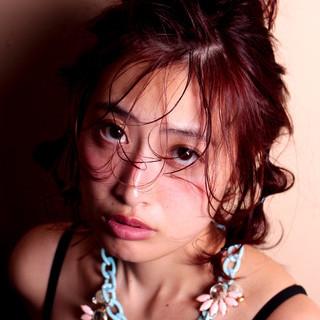 ミディアム フェミニン 簡単ヘアアレンジ うざバング ヘアスタイルや髪型の写真・画像