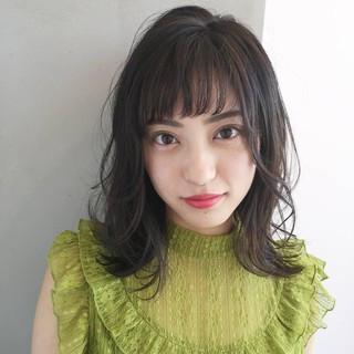 レイヤーカット ミディアム 大人かわいい 黒髪 ヘアスタイルや髪型の写真・画像