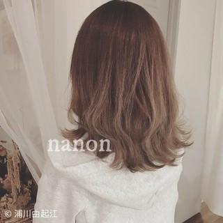 大人かわいい フェミニン アンニュイほつれヘア インナーカラー ヘアスタイルや髪型の写真・画像 ヘアスタイルや髪型の写真・画像