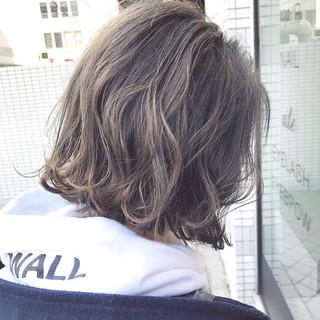モテボブ ミニボブ グレージュ ナチュラル ヘアスタイルや髪型の写真・画像