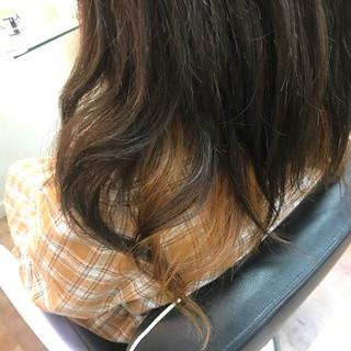 セミロング ヘアカラー インナーカラー 春ヘア ヘアスタイルや髪型の写真・画像