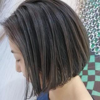 透明感カラー アッシュグレージュ 暗髪 ボブ ヘアスタイルや髪型の写真・画像
