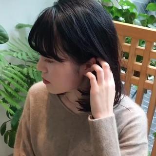 ミディアム ナチュラル 耳かけ 大人かわいい ヘアスタイルや髪型の写真・画像