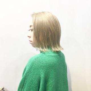 ミルクティー ストリート ミルクティーアッシュ ミルクティーベージュ ヘアスタイルや髪型の写真・画像