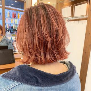 切りっぱなしボブ ハイトーンボブ ハイトーンカラー レイヤーボブ ヘアスタイルや髪型の写真・画像