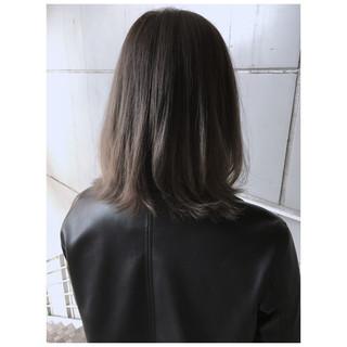 ナチュラル ハイライト アッシュグレージュ 極細ハイライト ヘアスタイルや髪型の写真・画像