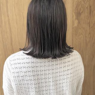 ボブ 外ハネボブ 切りっぱなしボブ ナチュラル ヘアスタイルや髪型の写真・画像 ヘアスタイルや髪型の写真・画像