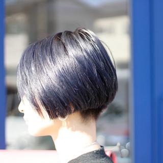 ブルー モード ブリーチカラー ブルーアッシュ ヘアスタイルや髪型の写真・画像