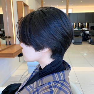 前下がり 黒髪 ふんわりショート ショートヘア ヘアスタイルや髪型の写真・画像