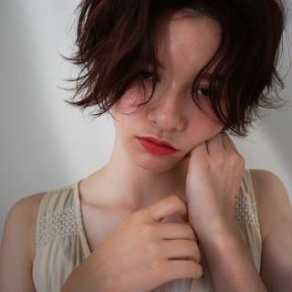 シナモンベージュ ベージュ デート ショート ヘアスタイルや髪型の写真・画像