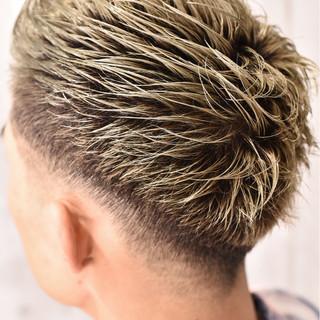 ショート ダブルカラー バレイヤージュ ストリート ヘアスタイルや髪型の写真・画像