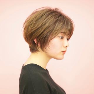 ミニボブ マッシュショート ショートヘア ナチュラル ヘアスタイルや髪型の写真・画像