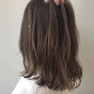 ミディアム 春ヘア 大人可愛い ハイライト ヘアスタイルや髪型の写真・画像
