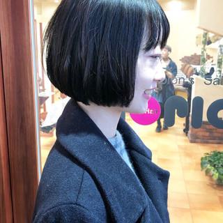 切りっぱなしボブ 暗髪 暗髪女子 ミディアム ヘアスタイルや髪型の写真・画像