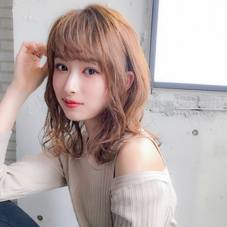 前髪 ヌーディベージュ 束感バング フェミニン ヘアスタイルや髪型の写真・画像