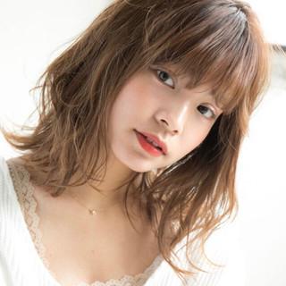 大人かわいい アンニュイほつれヘア スポーツ ミディアム ヘアスタイルや髪型の写真・画像 ヘアスタイルや髪型の写真・画像