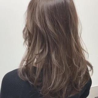 セミロング デート エレガント 福岡市 ヘアスタイルや髪型の写真・画像