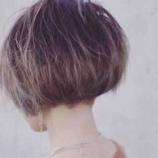 ナチュラル ショートボブ グラデーションカラー ミニボブ ヘアスタイルや髪型の写真・画像