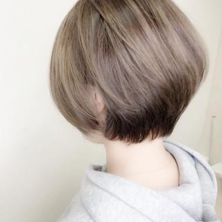ハイライト グラデーションカラー ベリーショート ボブ ヘアスタイルや髪型の写真・画像