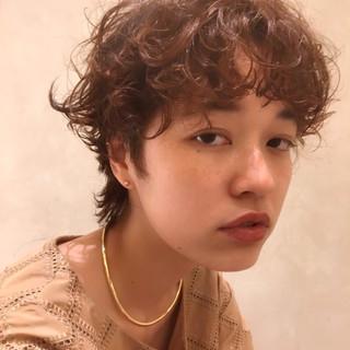 ショート 小顔ショート ショートヘア フェミニン ヘアスタイルや髪型の写真・画像
