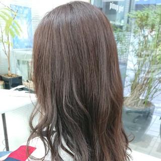 ラベンダーアッシュ 大人女子 ナチュラル セミロング ヘアスタイルや髪型の写真・画像